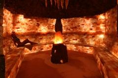 cueva-con-modelo-y-toalla-retocada1